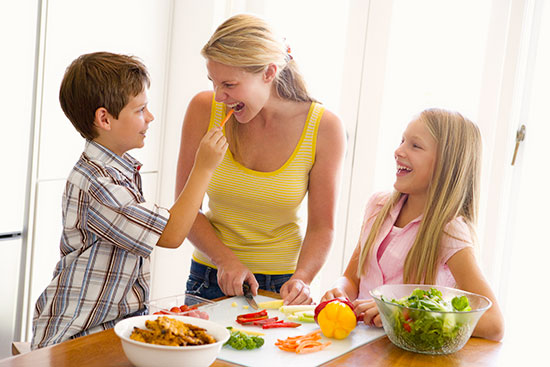 kids cooking with mom
